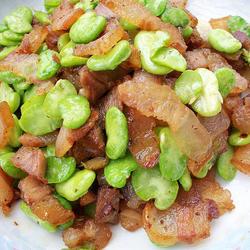 蚕豆炒腊肉的做法[图]