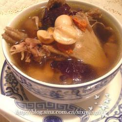 莲枣乳鸽汤的做法[图]
