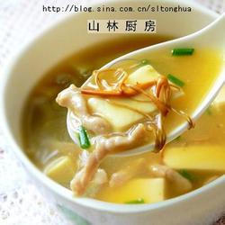虫草花豆腐汤的做法[图]