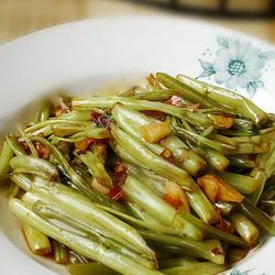 豆瓣酱炒空心菜的做法[图]
