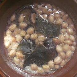 海带花生猪脚汤的做法[图]