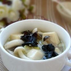 菌菇豆腐汤的做法[图]