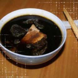 生熟地扇骨汤的做法[图]