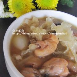 银耳百合田鸡汤的做法[图]