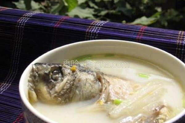 白萝卜丝鲫鱼汤