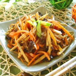 牛蒡萝卜木耳丝炒肉的做法[图]