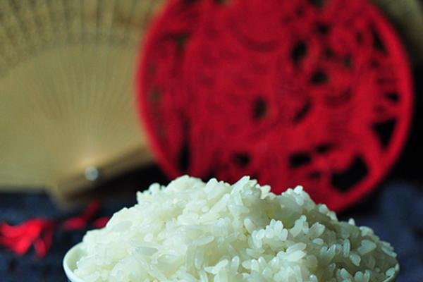 五常稻花香米饭