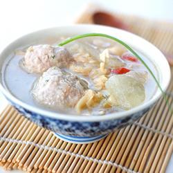 蛤蜊冬瓜肉丸汤的做法[图]