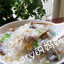 鸡肝木耳燕麦粥的做法[图]