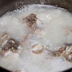 猪骨高汤的做法[图]