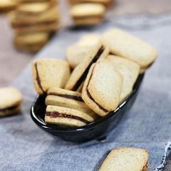 榛子巧克力夾心餅干的做法[圖]