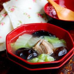 黑木耳白菜清炖排骨的做法[图]