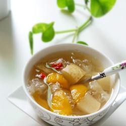 枇杷雪梨银耳糖水的做法[图]