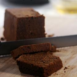浓郁榛子巧克力蛋糕的做法[图]