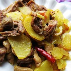 肥肠土豆片的做法[图]
