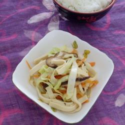 三丝炒豆腐皮的做法[图]