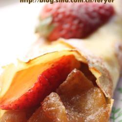 焦糖苹果草莓可丽饼的做法[图]