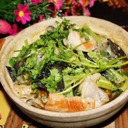 绿咖喱三文鱼头煲的做法[图]
