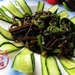 凉拌水蕨菜的做法[图]