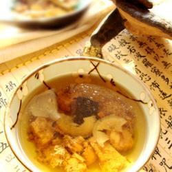 灵芝人参首乌煲瘦肉汤的做法[图]