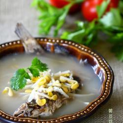 黄豆芽鲶鱼汤的做法[图]