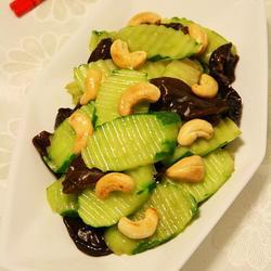 炒黄瓜木耳的做法[图]