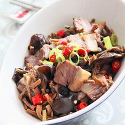 木耳干豆角炒肉的做法[图]