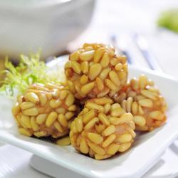 芝芯松子虾球的做法[图]