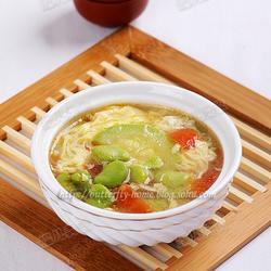 鲜蚕豆西葫芦鸡蛋汤的做法[图]