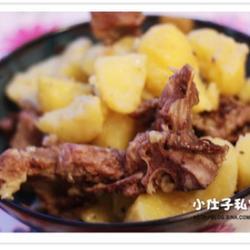 黃油龍骨燜土豆的做法[圖]