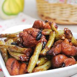 豉香鸡块炖扁豆的做法[图]