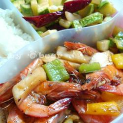 黑胡椒虾&酸辣西葫芦的做法[图]