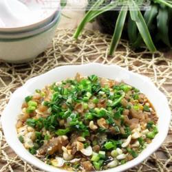 凉拌葱油皮蛋豆腐的做法[图]