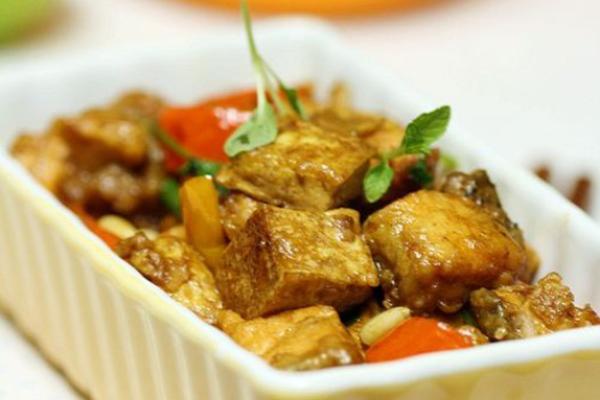三文鱼炖豆腐
