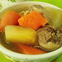 雪莲果鸡汤的做法[图]