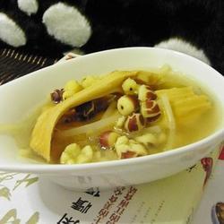 芡实薏仁竹笋干大骨汤的做法[图]