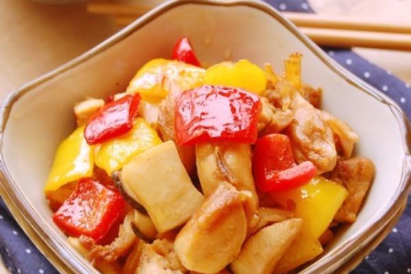 彩椒杏鲍菇炒鸡丁