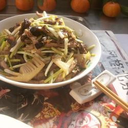 肉丝韭黄加冬笋丝的做法[图]
