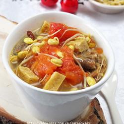 黄豆芽番茄豆腐排骨汤的做法[图]