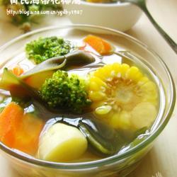 黄芪海带花椰汤的做法[图]