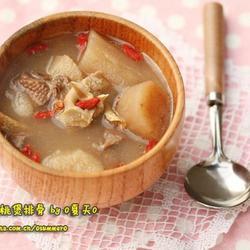 淮山核桃煲骨頭湯的做法[圖]