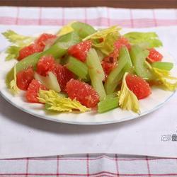 西芹葡萄柚沙拉的做法[图]
