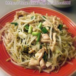绿豆芽炒鸡肉的做法[图]