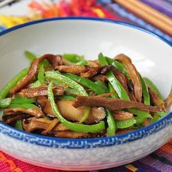 笋干香菇炒青椒的做法[图]