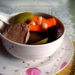 青红萝卜猪腱汤的做法[图]
