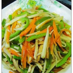 竹笋炒三丝的做法[图]