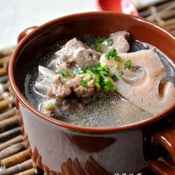 筒子骨藕汤的做法[图]