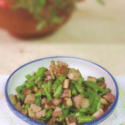 肉丁香干炒长豆的做法[图]