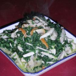 翡翠蘑菇肉丝的做法[图]