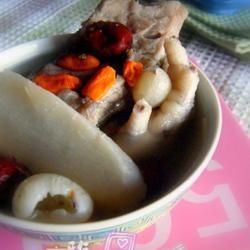 淮山枸杞子排骨汤的做法[图]
